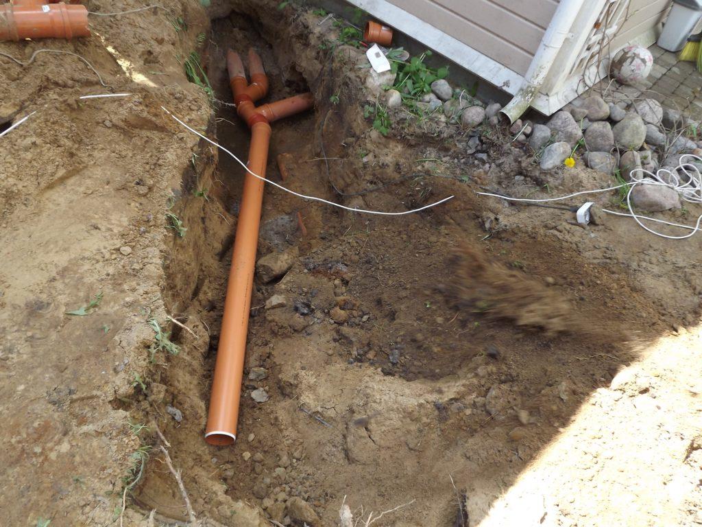 Монтаж новых, канализационных труб